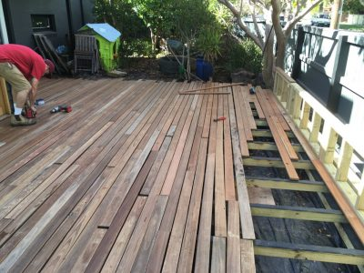 Builder for garden deck. Get backyard decking built.
