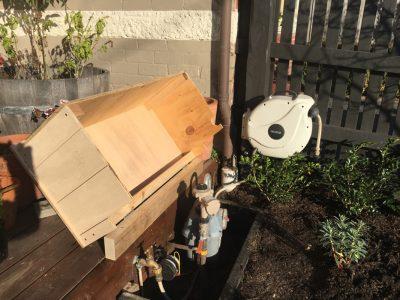 Garden box builder. Garden storage box.