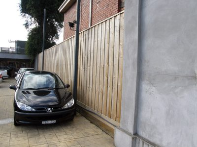 Quality fencing in Oakleigh, Melbourne. Fencing Quotes for paling fences. Fence Builder