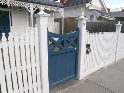 Quality fencing in South Eastern Suburbs, Melbourne. Fencing Quotes for picket fences. Fence Builder