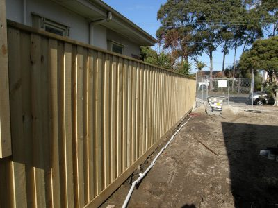 Treated pine paling fence builder for Caufield